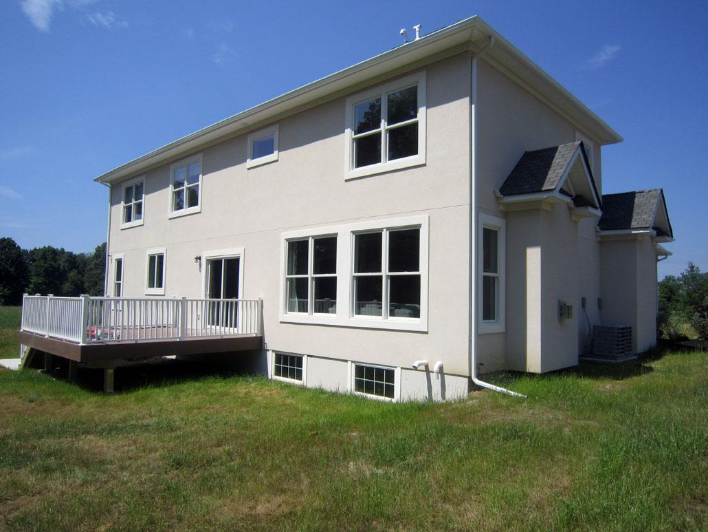 wit huis grasveld